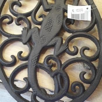 cast iron salamander