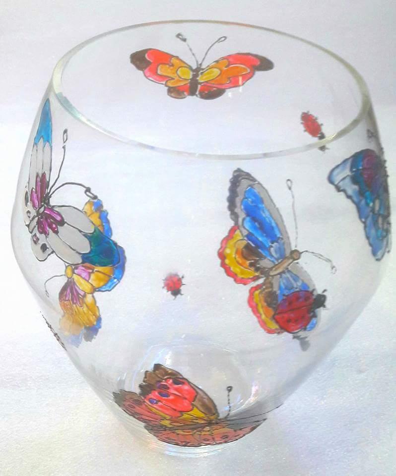 vase en verre au dessin papillons boutique idellia au centre de hy res. Black Bedroom Furniture Sets. Home Design Ideas